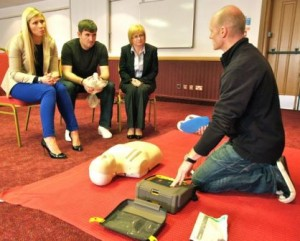 HSE 3 day training course with defribrillator