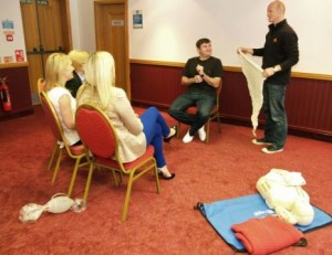 HSE 3 day training course doing bandaging