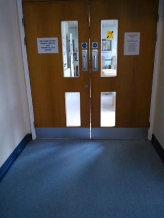 fire doors with gaps